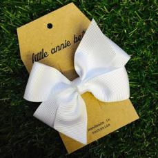 Little Annie Bets White Pinwheel Bow Clip